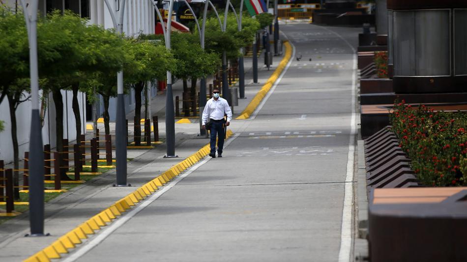 Toque de queda por puente de reyes en ciudades con alta ocupación UCI
