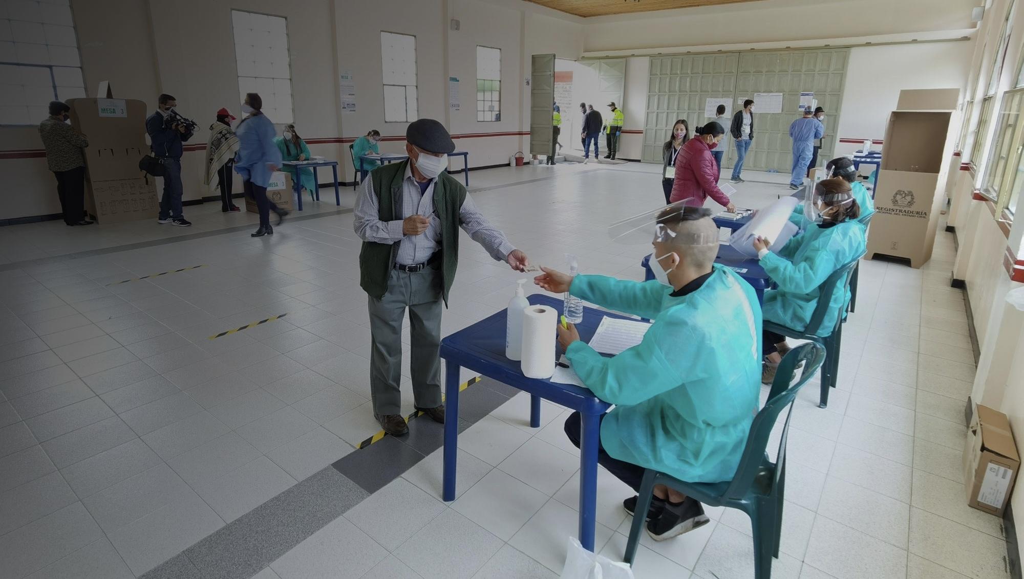 Registraduría suspende trámite de revocatorias de mandato en el país