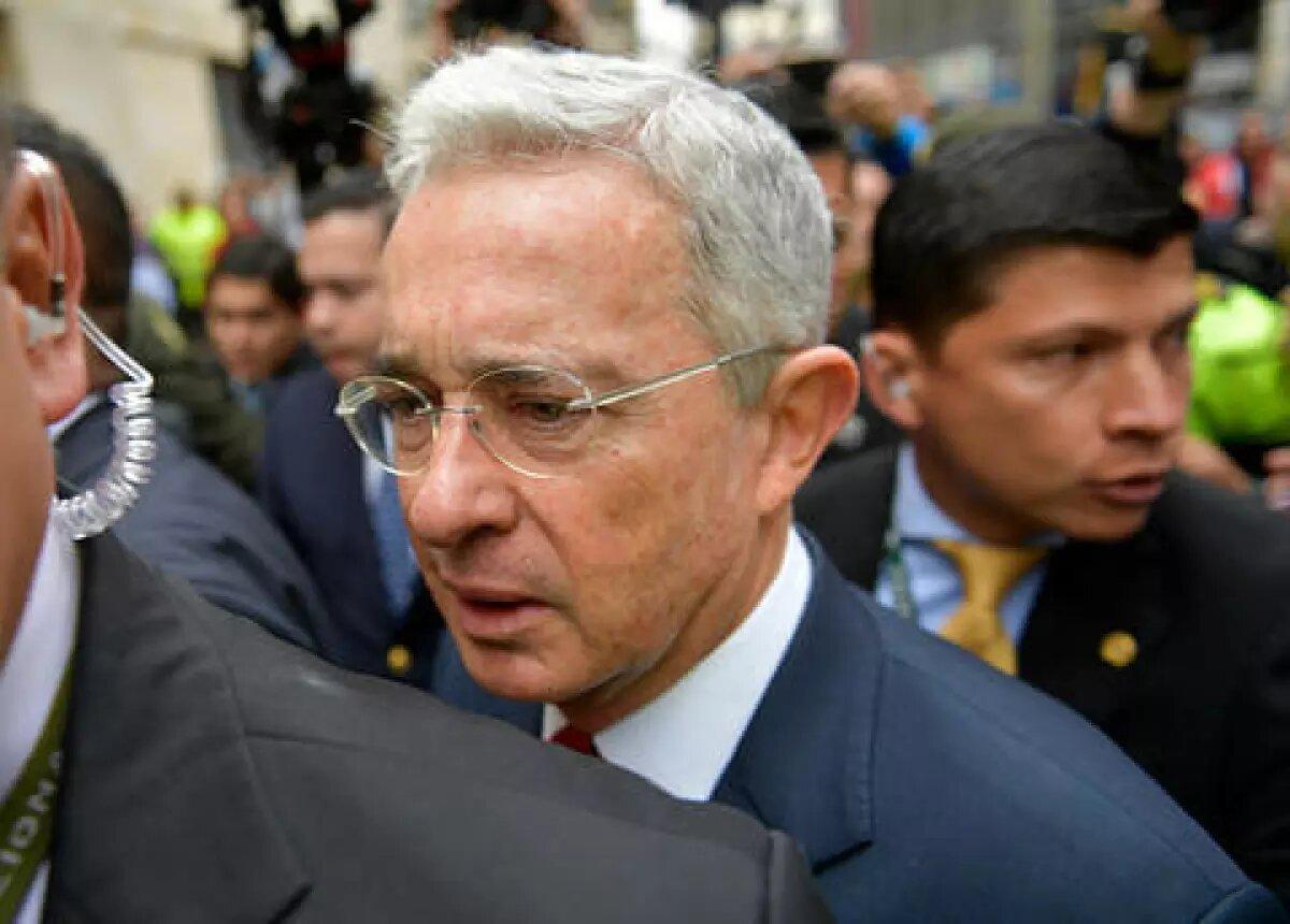 Defensa de Uribe impugnará decisión que negó tutela que pretendía tumbar su imputación