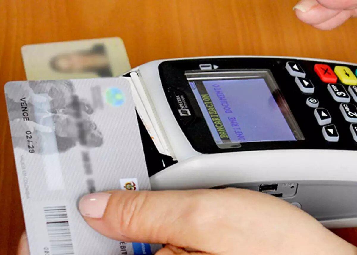 Utilidades de la banca caen 51% y los créditos en mora llegan a su punto más alto en cinco años