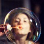 Las burbujas sociales que son y como ayudan a controlar los contagios por COVID